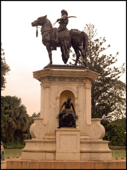 Sculpture of Mohtaram Tipu Sultan on his horse