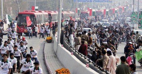 Metro Bus Lahore-1